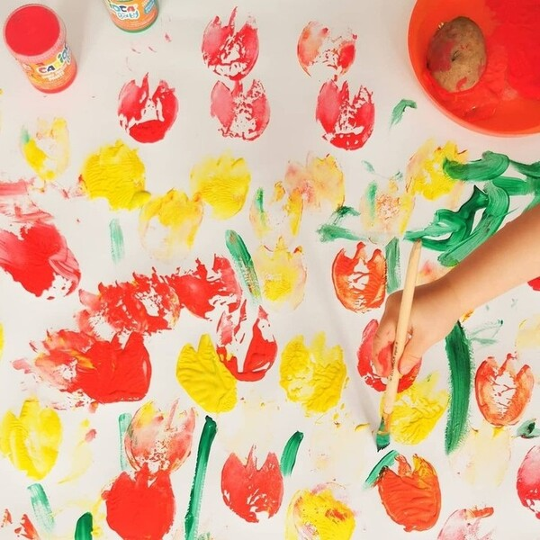 Dita o pennelli? Quando parte l'attacco d'arte scegliere è impossibile! Nel dubbio noi votiamo per tutti e due, ma chiediamo anche a voi: che cosa preferiscono i vostri bimbi per dipingere con le tempere?  Foto di: @kreatywnieaktywnie  #cariocaitalia #cariocacreatetolearn #cariocababy #temperecarioca #tempereadita #coloriadita #temperelavabili #giochieducativiecreativi #bimbifelici #bambinicreativi #colorare #cartoleriafelice